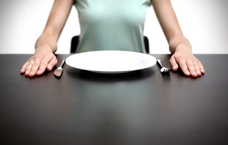 Saltare i pasti fa dimagrire ed è salutare
